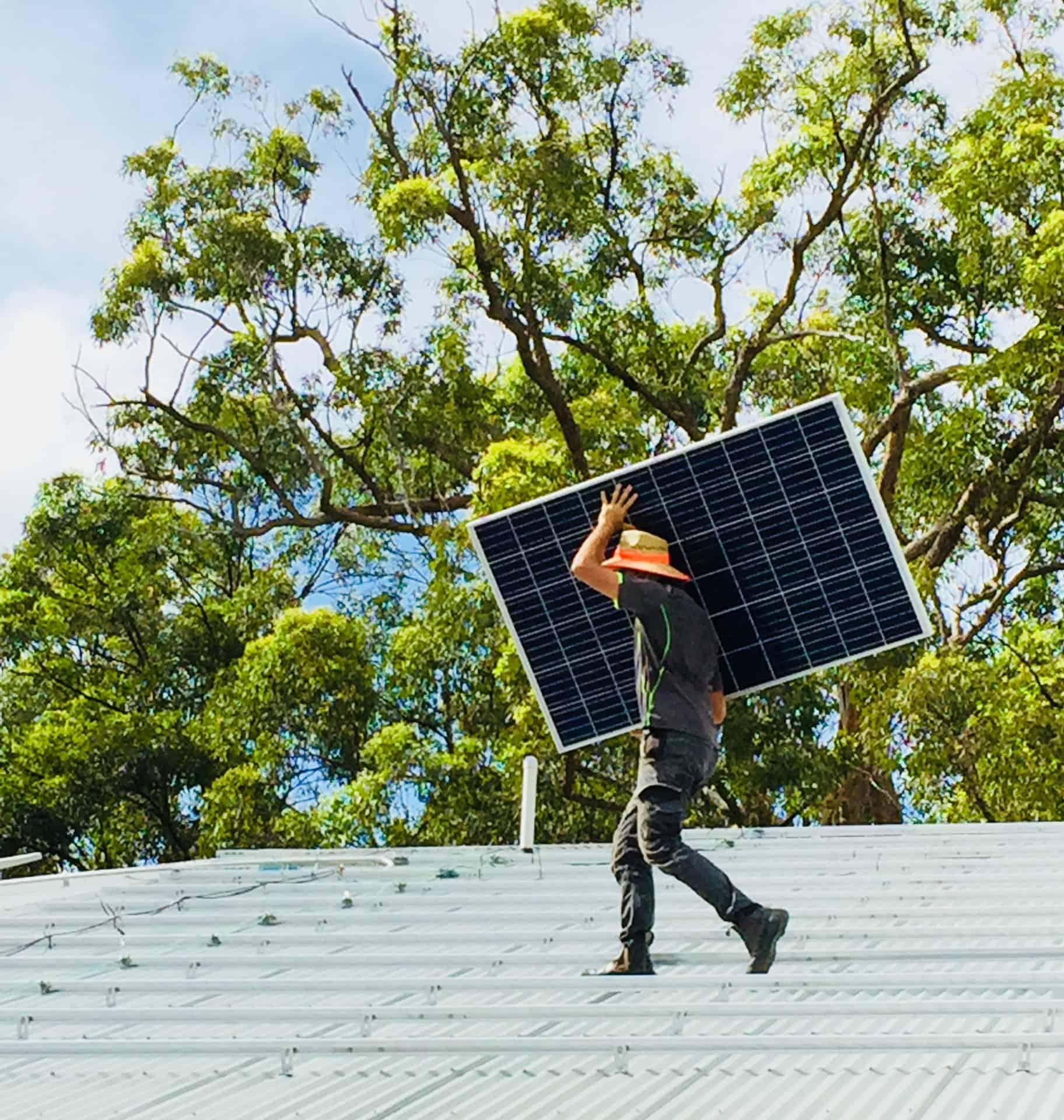 do solar panels damage roof